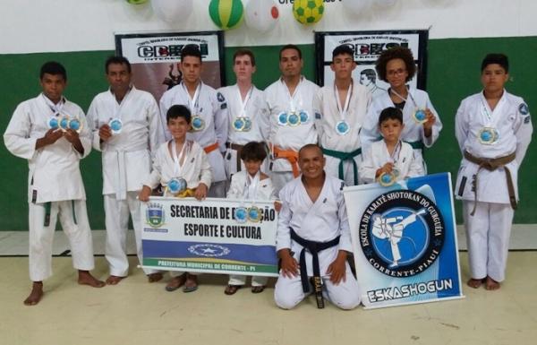 Atletas Correntinos são destaques em Campeonato Mundial de Karatê em Aracajú- SE