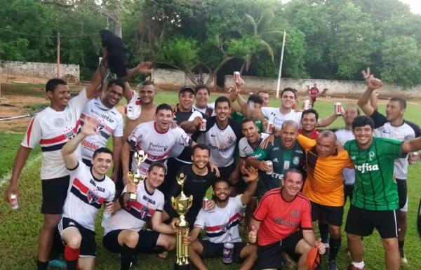 Futebol reúne amigos torcedores de grandes times nacionais em Corrente