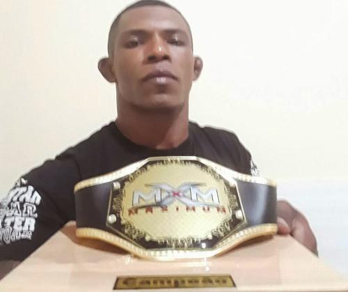 Após prometer voltar mais forte, Kong vence mais uma luta de MMA na Bahia