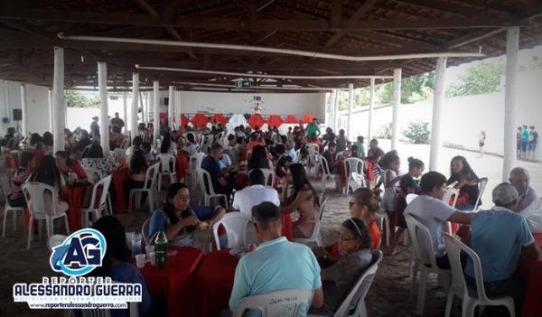 Paróquia do Divino promove feijoada para construção de centro comunitário