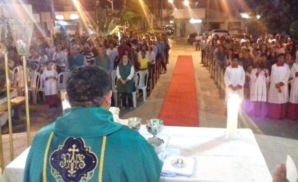 Missa sertaneja reúne centenas de fiéis na Paróquia Nossa Senhora da Conceição