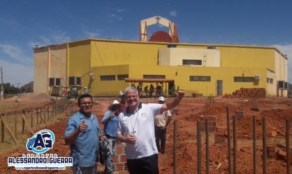 Paróquia Divino Espirito Santo realiza mutirão para construção do centro Paroquial