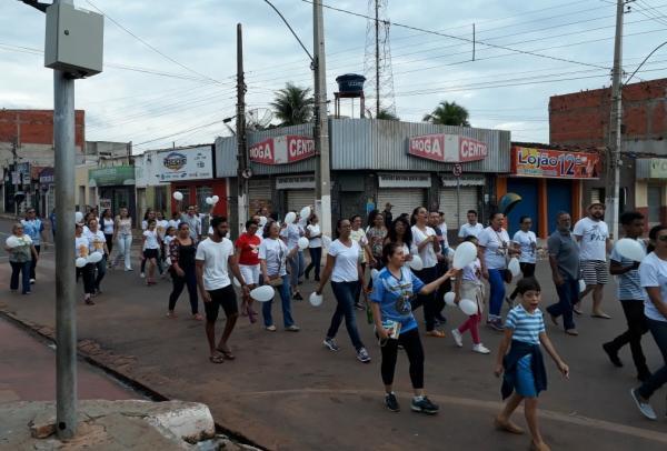 Paróquia realiza Caminhada pela Paz em Corrente