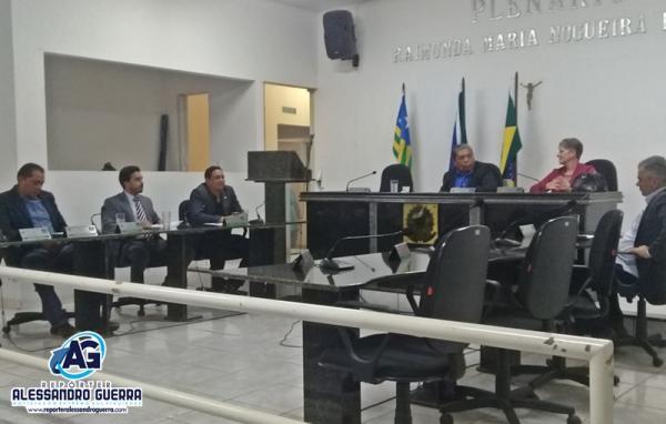 Projeto Pavimentação: Apenas 6 dos 11 vereadores comparecem a sessão