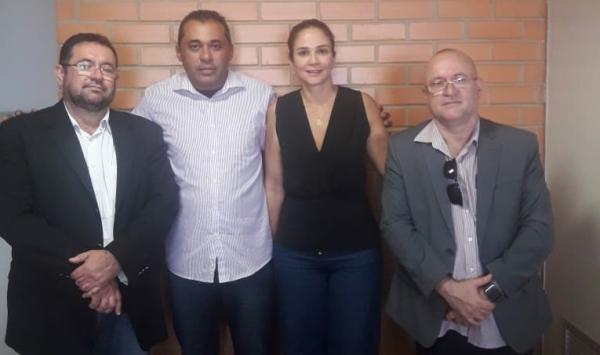Vereador Gilmário se reúne com a deputada Lucy Silveira