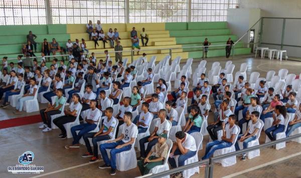 Pelotão Mirim apresenta nova turma 2019 em Corrente