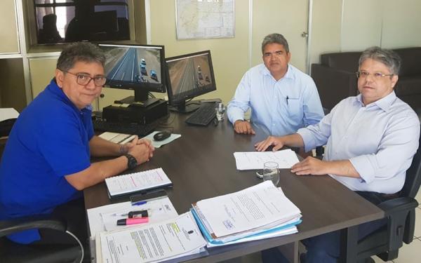 Murilo se reúne com superintendente do DNIT para tratar sobre a BR- 135