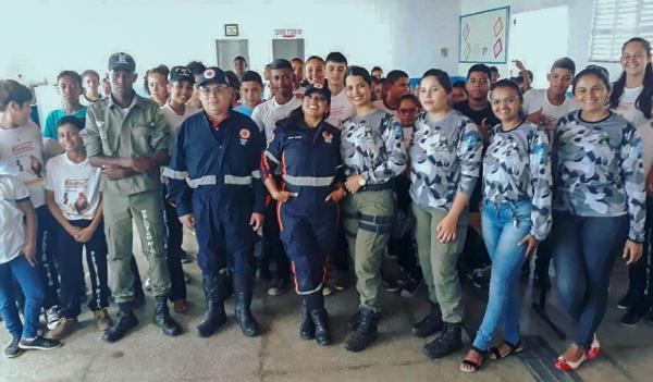 Iniciadas atividades do pelotão mirim em Parnaguá