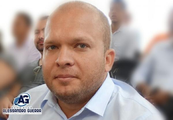 Justiça determina retorno de Léo Matos ao cargo de prefeito de Gilbués