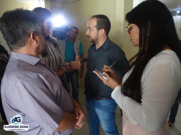 Deputados da comissão de saúde fazem visita ao Hospital de Corrente