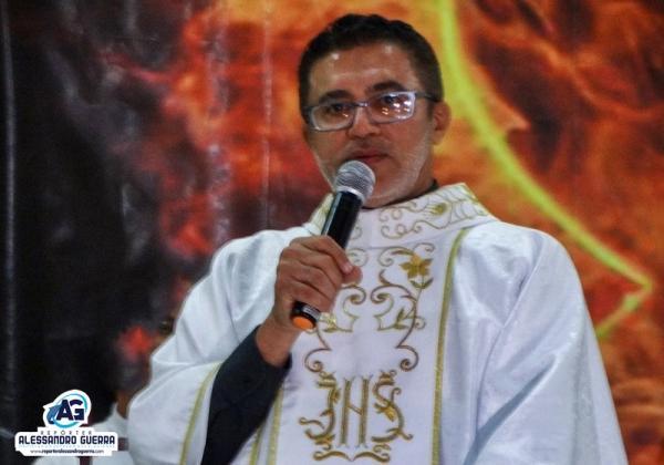 Padre Anísio celebra 25 anos de ordenação sacerdotal em Corrente