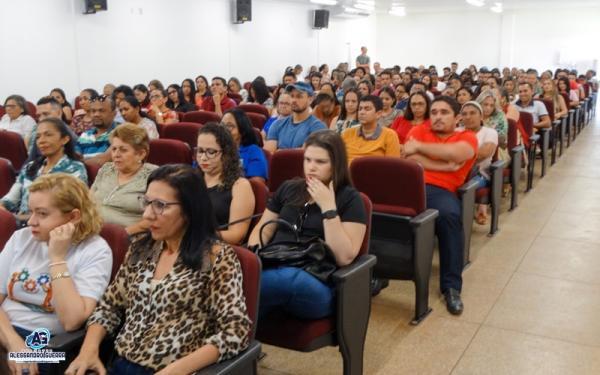 Corrente sedia Seminário Regional Intersetorial do Programa Bolsa Família