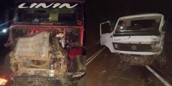 Caminhões colidem na BR- 135, na serra em São Gonçalo do Gurguéia