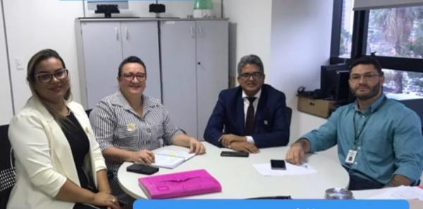 Prefeito e secretária de Saúde de Corrente buscam investimentos para saúde em Brasília
