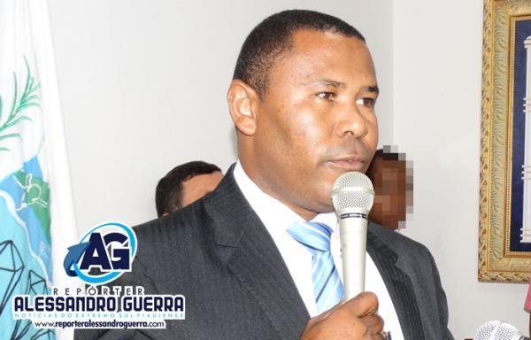 Vereador Eugênio Santos de Cristalândia é preso por porte ilegal de arma de fogo na Bahia