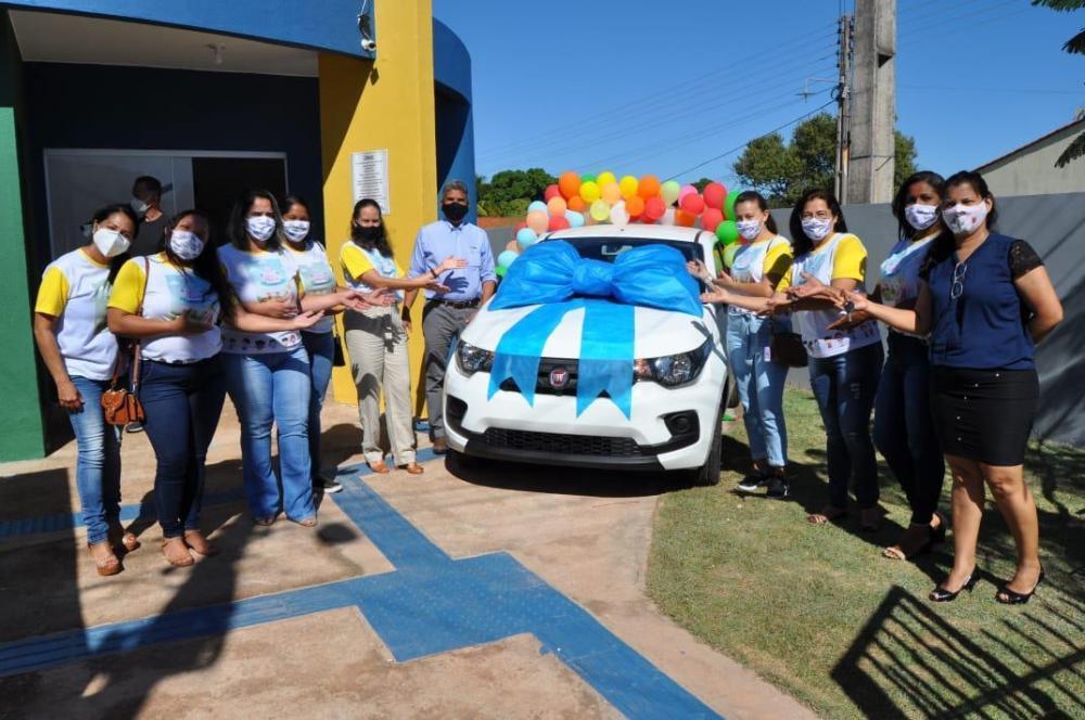 Programa Criança Feliz ganha veículo novo para trabalhos com crianças em Corrente