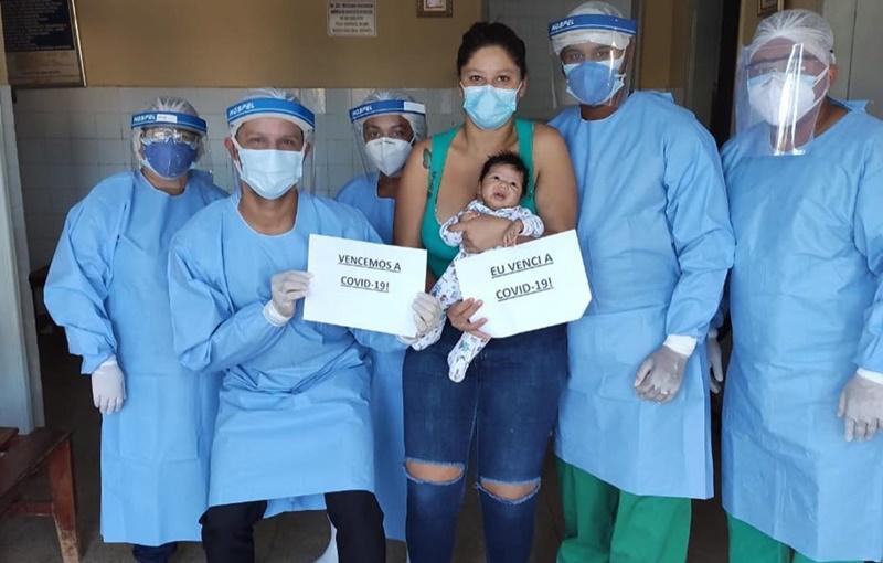 Bebê diagnosticado com Covid-19 recebe alta de hospital em Corrente
