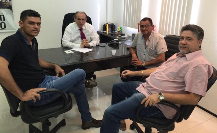 Pablo Carvalho é recebido por Marcelo Castro e João Mádson