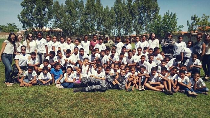 7º BPM promove evento natalino para alunos do Pelotão Mirim em Corrente