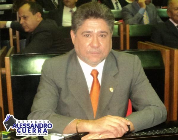 João Mádson viabiliza calçamento para os bairros Sincerino e Morro do Pequi em Corrente