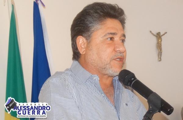 João Mádson defende entendimento com MP ate construção de matadouro, e é contra proibição da venda de carne em Corrente