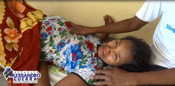 Sem médico mulher fica quase 10 horas em trabalho de parto nos corredores do hospital de Corrente