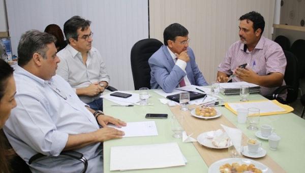 Prefeito Ariano Messias participa de audiência com o Governador Wellington Dias