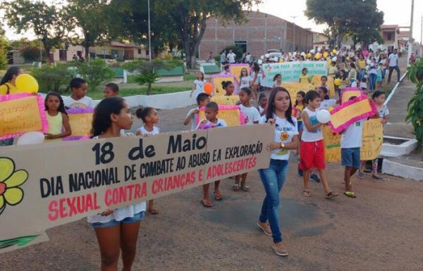 Município de Cristalândia realiza caminhada contra a violência sexual infantil