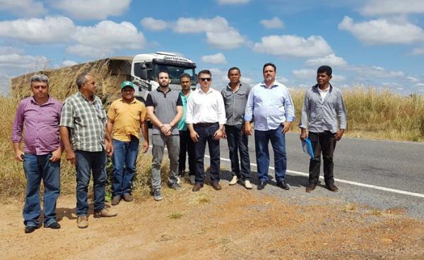 Prefeito comemora reabertura de estrada que liga Cristalândia do Piauí á Bahia, via Cerrados