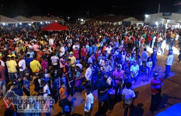 Segundo dia de Vaquejada reúne milhares de pessoas em Sebastião Barros