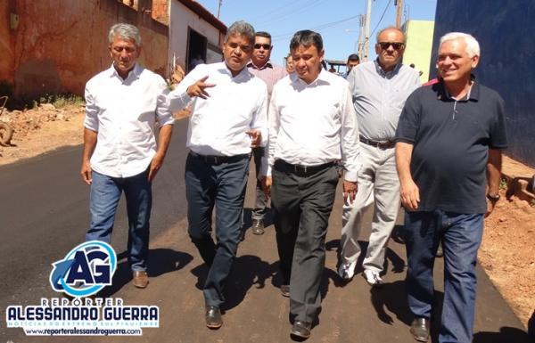 Prefeito Murilo Mascarenhas recebe governador, visita e inaugura obras em Corrente